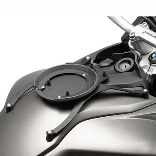 Anclaje Givi BF15 para bolsas Givi Tanklock para BMW
