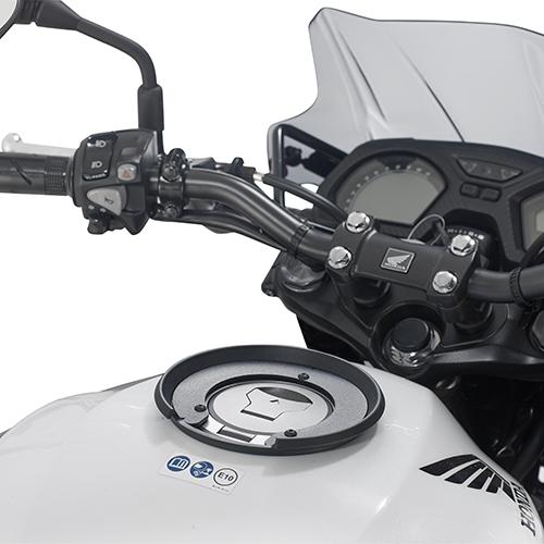 Anclaje Givi para maletas Givi Tancklock válida para Honda CB 650F 2017 y CBR 1000 RR 2017