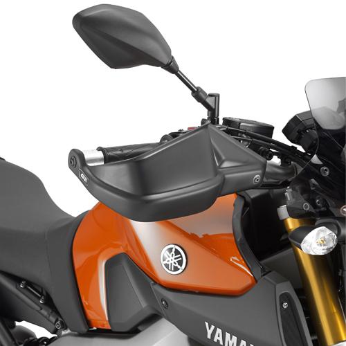 Cubremanos Givi HP2115 para moto Yamaha XSR 700 2016> MT07 2014> y MT09 2013>