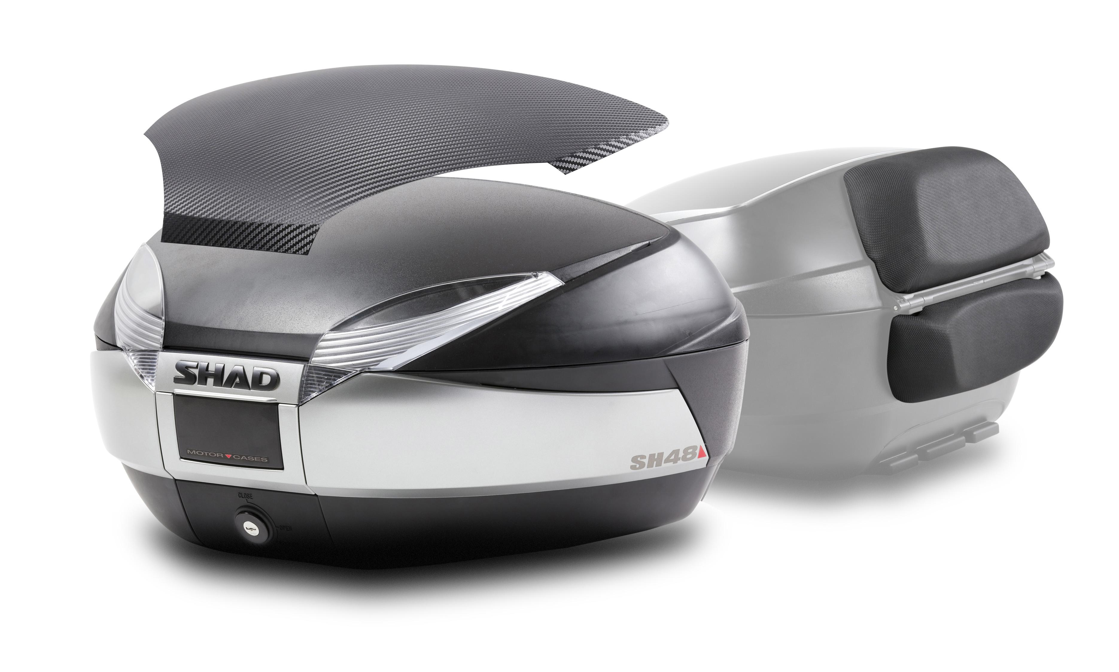 Baúl Shad SH48 titanio con tapa de carbono y respaldo